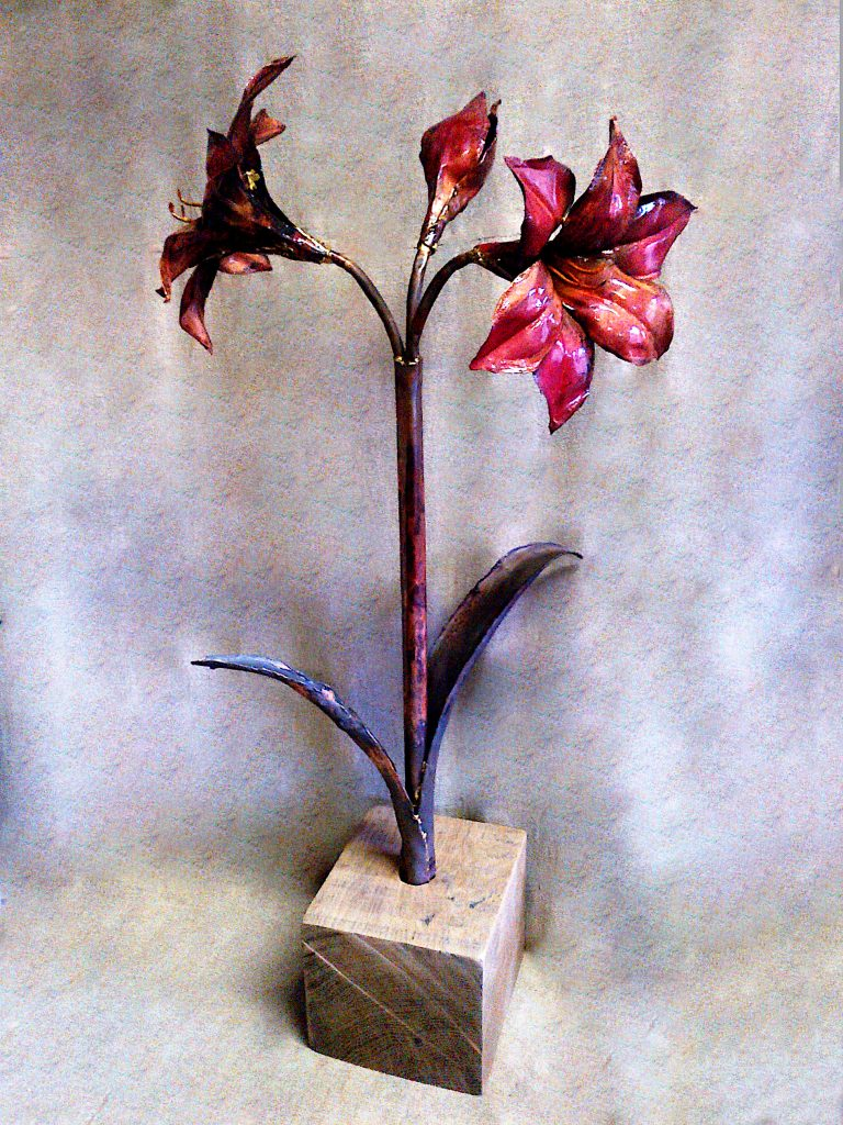 amaryllis sculpture