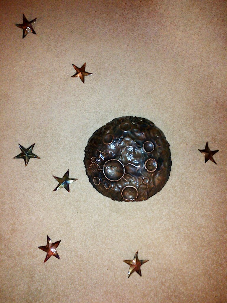 moon and stars sculpture
