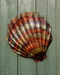 clam shell sculpture