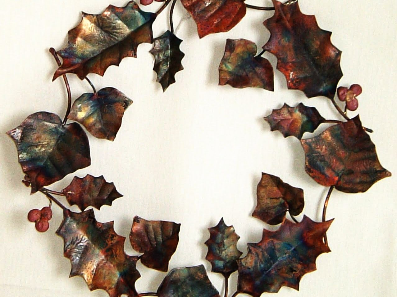Christmas holly and ivy wreath sculpture